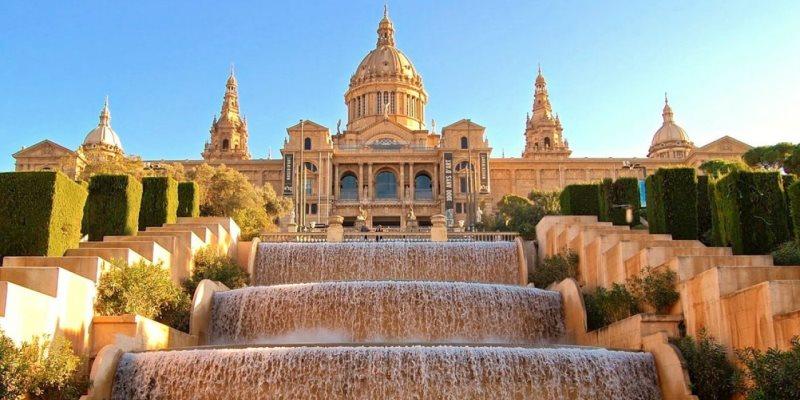 Lihat 7 Museum Terbaik di Barcelona, Spanyol