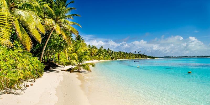 5 Wisata Pantai Populer di Indonesia