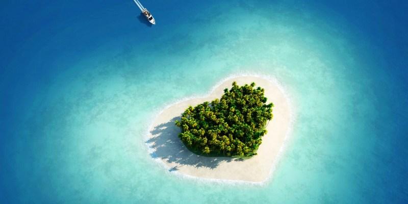 5 Pulau Berbentuk Hati Favorit di Dunia